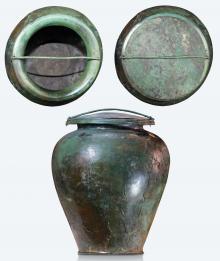 Grande vaso in bronzo (stamnos) con coperchio, cinerario della Tomba del Carro della Ca' Morta, V sec. a.C., Irma Bianchi Comunicazione