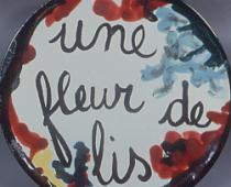 Milena Milani, Un fleur de lis, 1953, piatto di certamica, diametro cm 40